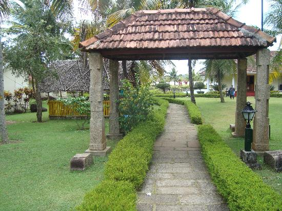 Aquasserenne: Traditional Kerala Architecture