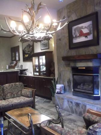 Aspen Square Condominium Hotel: recepcion