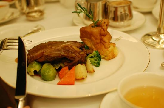 Harrods Cafe: roast with Yorkshire pudding