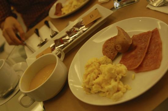 Guijo Suites Makati: every reservation come with a mini breakfast buffet