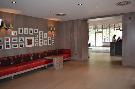 Crieff Hydro Hotel and Resort: Seating past reception area