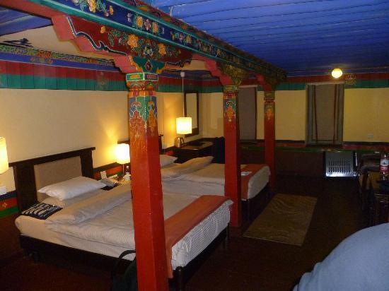 Yaoxi Pingkang Gujian Hotel: Royale, authentieke kamer.
