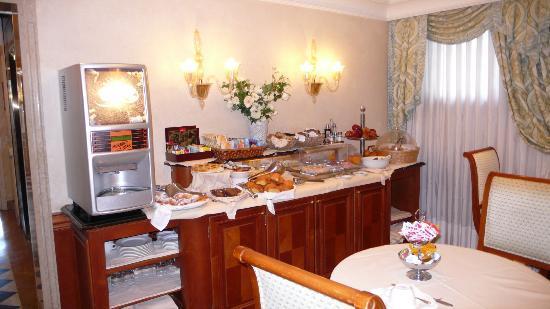 Hotel Antiche Figure: buffet