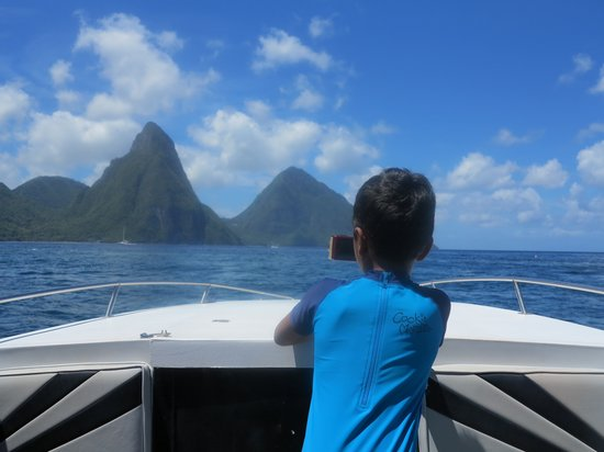 Saluna Excursions & Watersports: The Pitons