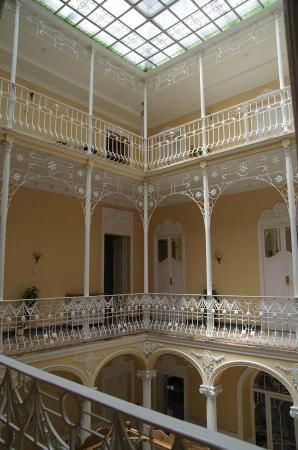 Hotel Victoria: hall