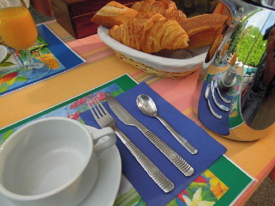 Logis Le Clos des Souquets : Breakfast