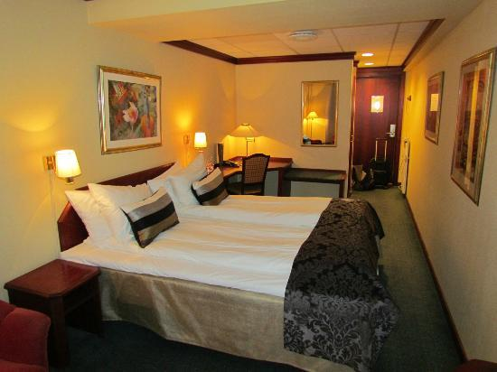 First Hotel Atlantica: room