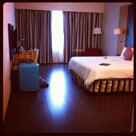 NH Collection Monterrey: Spacious bedroom