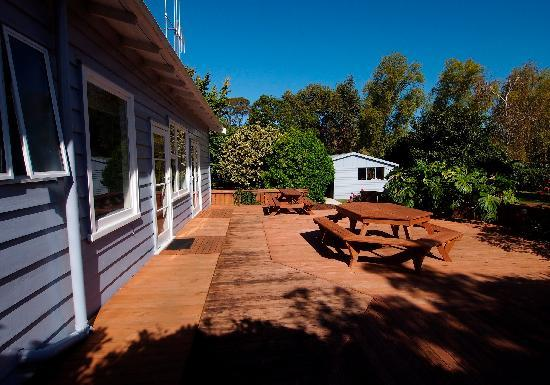 Kaiaua, New Zealand: Main deck and garage