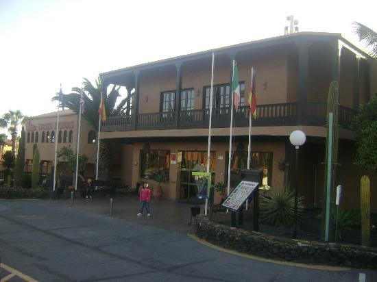 Oasis Duna Hotel : Hotel front