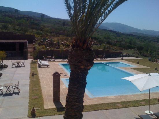 Kasbah Agounsane : vue piscine