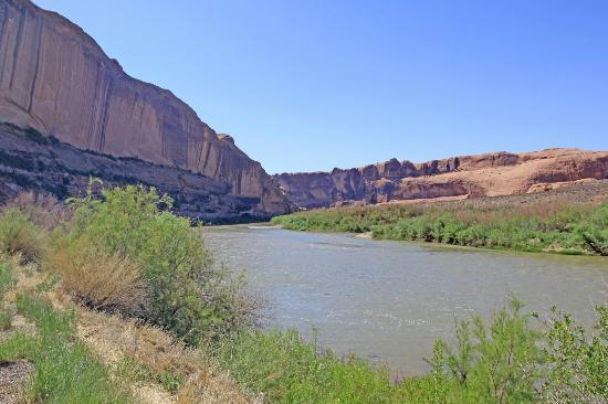Colorado Riverway Recreation Area: Beautiful river views abound