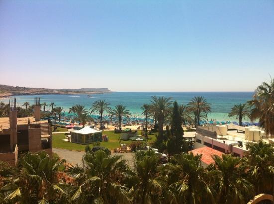 Nelia Beach Hotel: вид из стандартного номера
