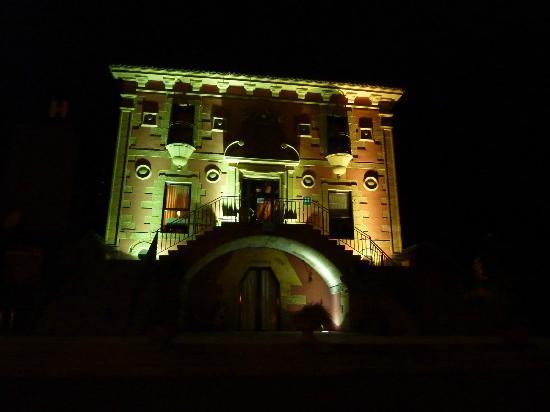 Hotel Palacio Atxega: vista notturna