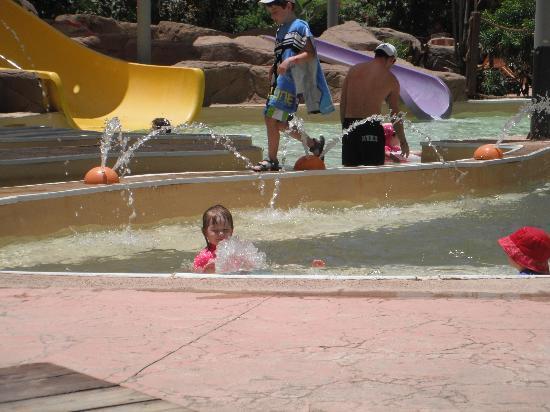 Coral Sea Aqua Club Resort: kids slide pool