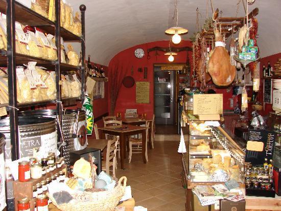 Vineria La Fraschetta : sala ingresso bottega /osteria