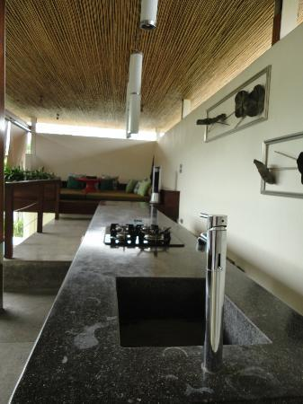 Kiss Bali: Dining area of 2 bedroom