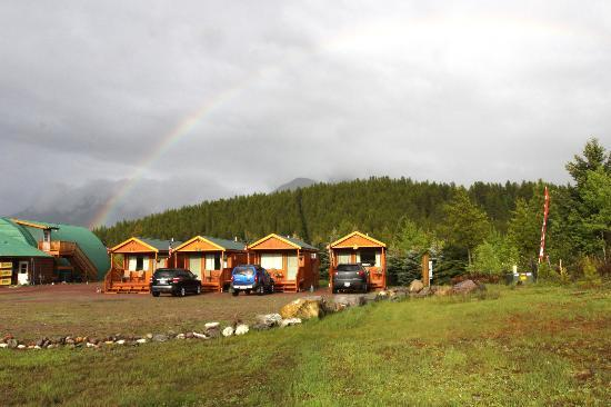 Glacier General Store and Cabins: Book now! You won't regret it!