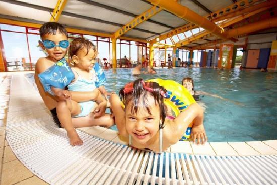 Amusement Arcade With Bowlingo Picture Of Riviera Bay Holiday Park Park Holidays Uk Brixham