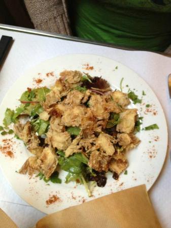 Le Baron Perché : fried baby asparagus atop salad