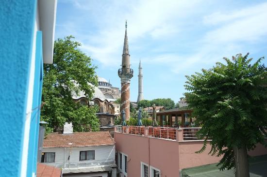Minel Hotel: Blick aus unserem Zimmer (301) auf die Hagia Sophia, ein Traum!