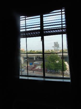 Holiday Inn Express Hotel & Suites San Antonio-Downtown Market Area: View from window.