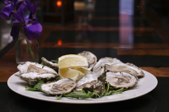 Black Krim Tavern: Wellfleet Oysters