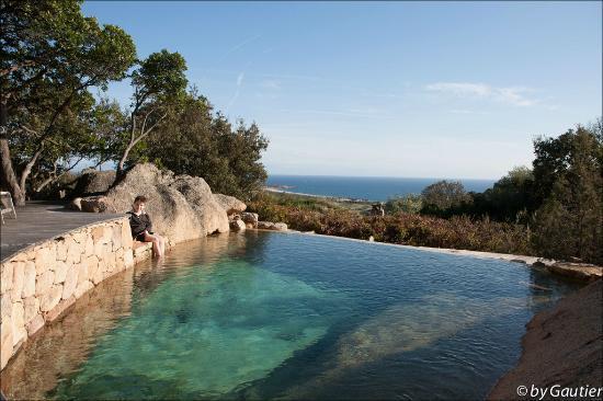 Domaine de Murtoli : La piscine et la vue