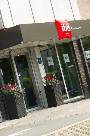 Ibis Hotel Aalst Centrum: Hotel Entrance