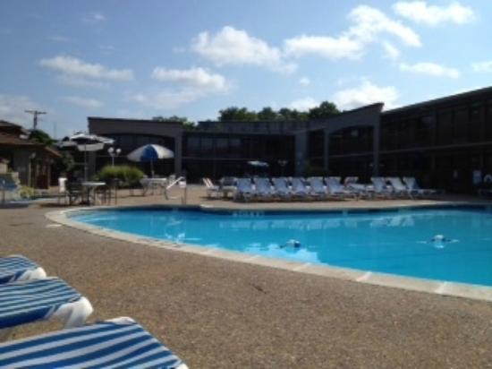 The Resort at Port Arrowhead: pool deck