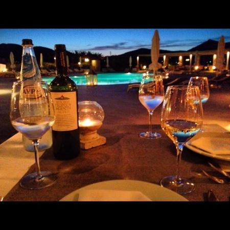 Saint Andrea Seaside Resort: Dinner poolside