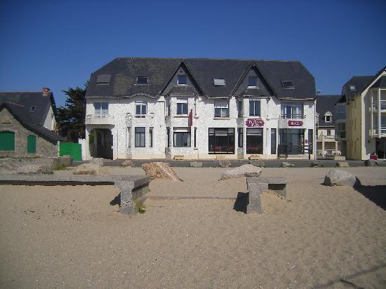 Hôtel Les Chants d'Ailes : Vue de la plage des Bretons