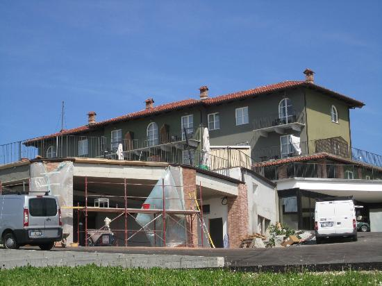 Golf Relais Monforte: die Bautätigkeit direkt vor den Zimmern