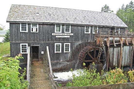 Sherbrooke Village: sawmill