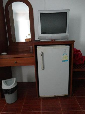 Choeng Mon Beach Hotel and Spa: frigo rouillé et sale