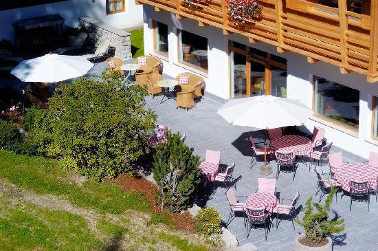 Hotel Melodia del Bosco: Terrazza