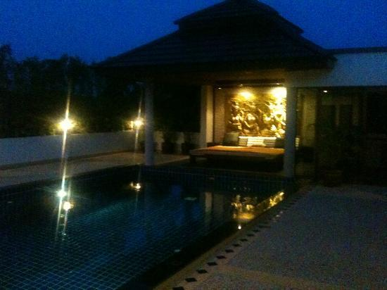 Phuket Cleanse: The pool/relax area at night