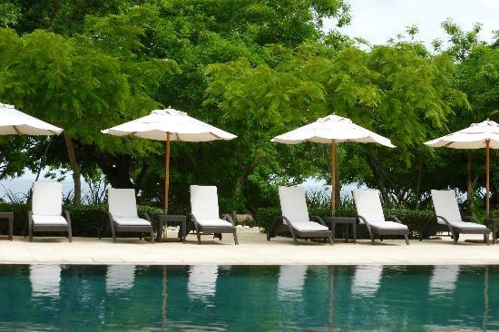 Reserva Conchal Beach Resort, Golf & Spa: Beach club (beautiful swimming beach just behind this.)