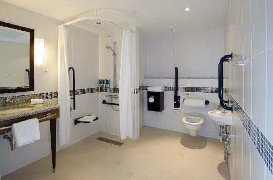 هامبتون إن باي هيلتون ليفربول سيتي سنتر: Accessible en suite