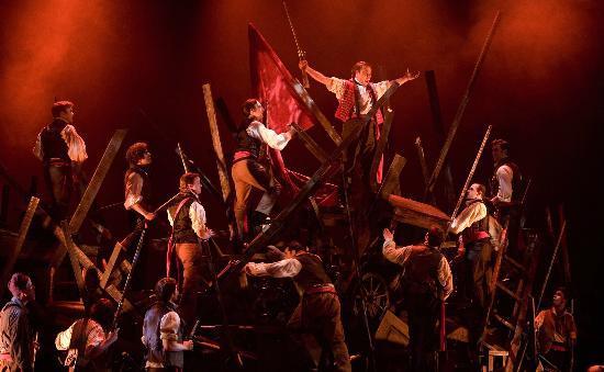 Walnut Street Theatre: Ensemble of Les Miserables. (2008)