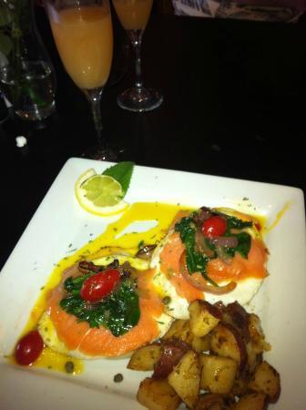 the garden brunch cafe smoked salmon eggs benedict - Garden Brunch Cafe