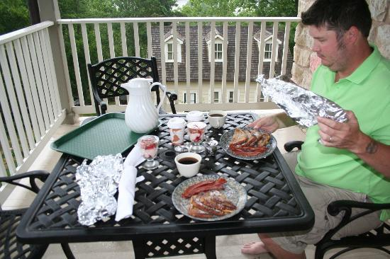 The Inn at Hermannhof: French toast breakfast enjoyed on the deck.