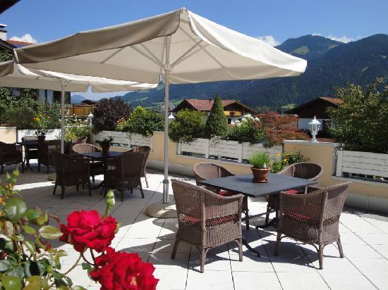 Residenz Theresa: Sonnenterasse-ein Blick auf die Bergwelt