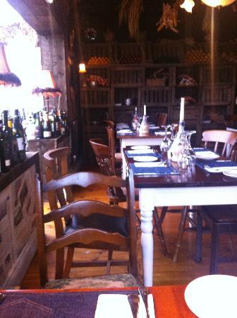 Tavistock Italia Gastro Pub at The Board Inn: tables