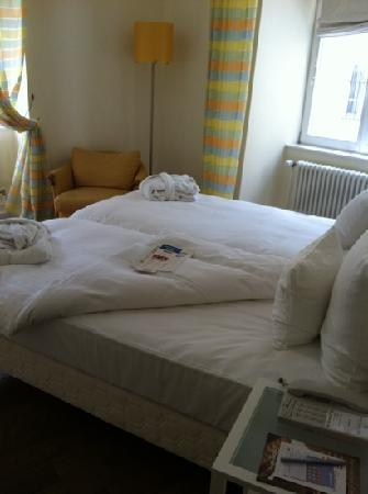 Parc Beaux-Arts Hotel Luxembourg : our bed