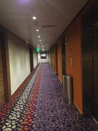 Hard Rock Hotel Panama Megapolis: PASILLOS  DE HABITACIONES