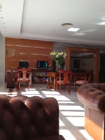 Hotel Serrano Palace: Lobby