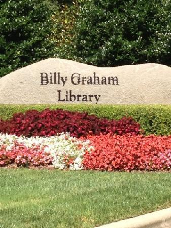 The Billy Graham Library: Entrance
