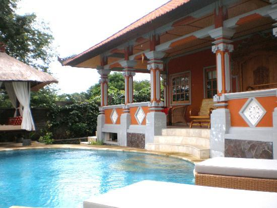 The Raja Singha Luxury Villas Resort