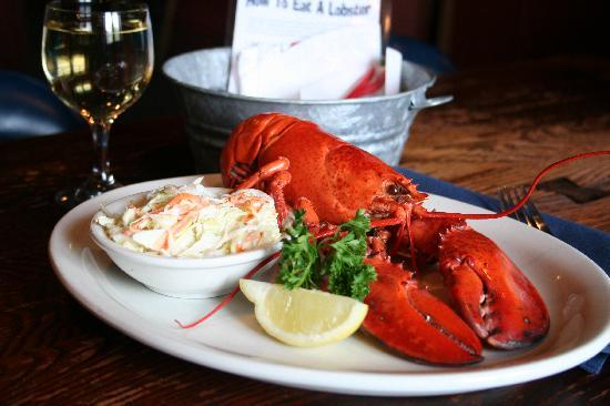 Marblehead Chowder House: Fresh Lobster!